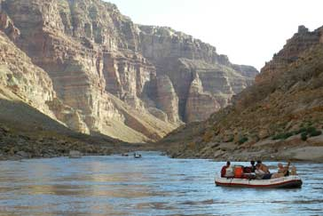 Colorado-River-Rafting-in-Canyonlands
